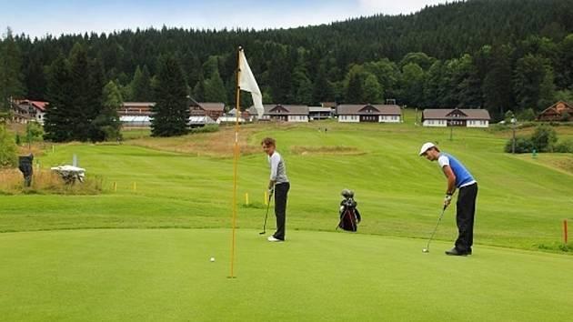 Golf u hotelu Horal.