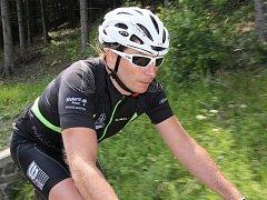 Cyklistický ultramaratonec Josef Trchalík z Lačnova opět bodoval. V mezinárodním závodě Around the Central Europe dojel na druhém místě. Snímky pocházejí z tréninku na tento 1220 kilometrů dlouhý maraton