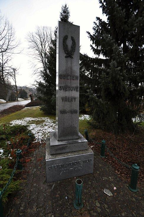 Liptál - památník obětem světové války.