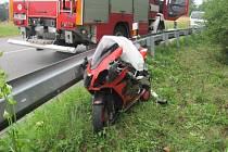 V sobotu na Vsetínsku bourali motorkáři.