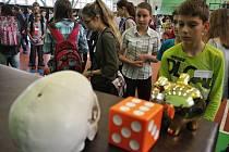 Druhého ročníku Paměťové olympiády ve vsetínské Střední škole Kostka se ve středu 27. ledna 2016 zúčastnilo více než 150 dětí z celého Zlínského kraje.