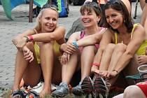 Amfolkfest patří k festivalům, které se návštěvníkům vryjí pod kůži. Na loňském dvacátém ročníku (na snímku) panovala příjemná letní atmosféra.