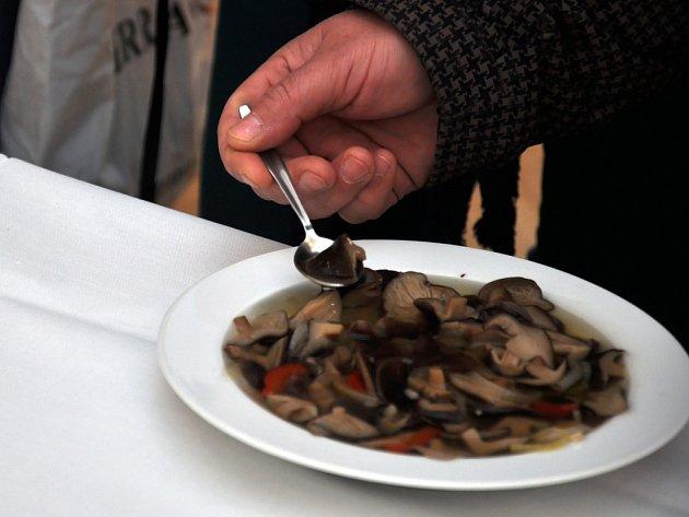 Košt hub ve Francově Lhotě. Ilustrační foto.