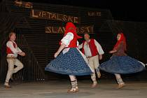 Centrem pozornosti milovníků folkloru se minulý týden stal Liptál. Už po čtyřicáté šesté se tu sešly folklorní soubory z celého světa.