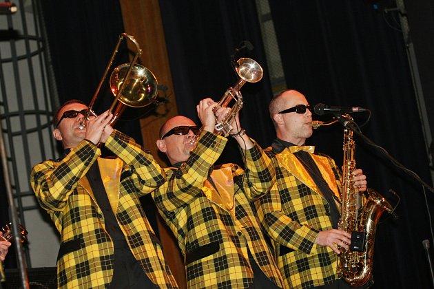Populární Rock and Roll Band Marcela Woodmana.