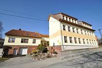 Lačnov, základní škola