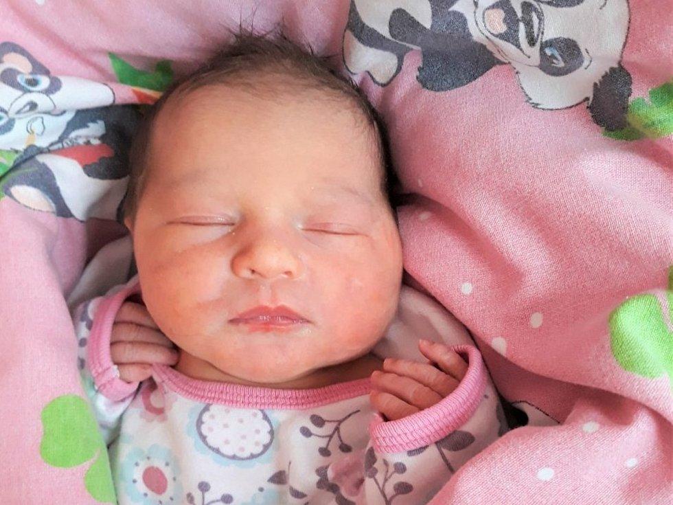 Jasmína Hniková, Malá Bystřice, narozena 2. prosince 2020 ve Valašském Meziříčí, míra 47 cm, váha 3170 g