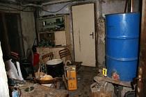 Vsetínští kriminalisté odhalili na Vsetínsku černou pálenici. Jde o první případ tohoto i minulého roku.