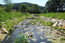 Lesy České republiky investovaly šest milionů do úprav koryta potoka Růžďka u Bystřičky na Vsetínsku. Zásahy mají zkvalitnit ochranu při povodních i zlepšit vzhled toku.