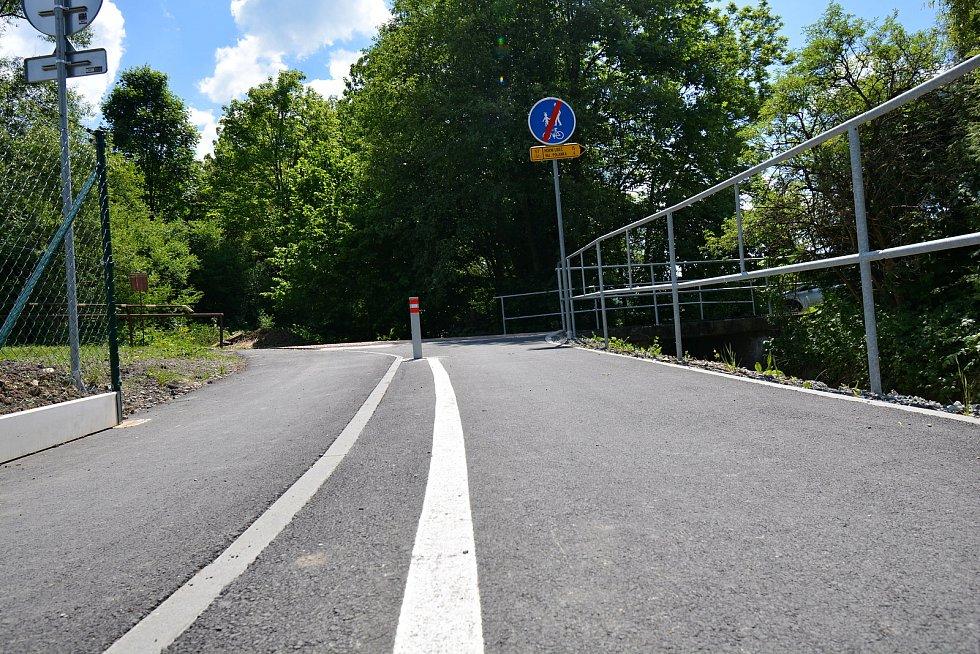 I. etapa cyklostezky Bevlava vede ze Vsetína přes Ústí, Leskovec, Valašskou Polanku do Lužné. Průjezd Leskovcem, 10.6.2021.