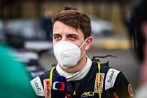 Teprve 21letý závodník z Kelče na Vsetínsku Dominik Stříteský ve voze Škoda Fabia R5 hájí barvy ACA Škoda Vančík Motorsport. V silné konkurenci o víkendu opět dojel na bramborové příčce.