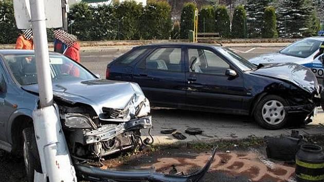 Nehoda v ulici Hradišťsko v Rožnově p. R.