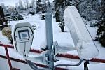 Zimní počasí na Hvězdárně Valašské Meziříčí v úterý 13. dubna 2021 ráno.