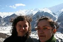 Dana Haferníková (na snímku vpravo) už ví, že svůj život zasvětí pomoci lidem.