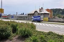 Areál bývalých garáží ČSAD v Rožnově pod Radhoštěm se možná přemění v obchodní dům Kaufland