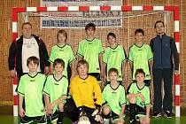 Družstvo mladších žáků z Ratiboře prošlo turnajem bez zaváhání a zaslouženě si odvezlo ze Zašové pohár pro vítěze.