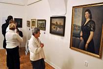 Muzeum regionu Valašsko uspořádalo výstavu u příležitosti nedožitých stých narozenin malíře Josefa Hapky. Vernisáže se zúčastnil jeho syn známý zpěvák a skladatel Petr Hapka