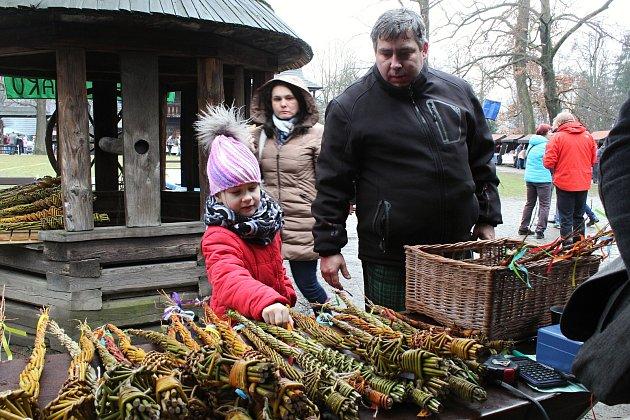 Tradiční velikonoční program Velikonoce na Valašsku se koná od soboty 31. března do pondělí 2. dubna 2018 v Dřevěném městečku v Rožnově pod Radhoštěm. Nechybí stánky s jarmarečním zbožím ani doprovodný program.