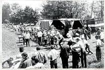 Hasičská soutěž (1986). Tak jako v ostatních obcích, ani naši hasiči nežili jen požáry, ale také pořádáním hasičských soutěží na okrskové či okresní úrovni.