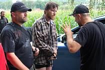Hvězdně obsazený film Úsměvy smutných mužů natáčejí filmaři i na Valašsku. Jednu z hlavních rolí ztvárnil David Švehlík. Točilo se v Pržně a Ratiboři.