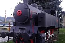 Historickou mašinku u vsetínského nádraží odkoupil od Českých drah Klub přátel kolejových vozidel z Brna.