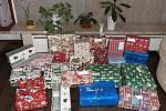 V letošní akci Krabice od bot, kterou na Valašsku organizuje vsetínská Diakonie, se podařilo nashromáždit na čtyři sta vánočních dárků. Dostanou je děti v azylových či dětských domovech napříč Zlínským krajem.
