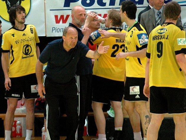 Jiří Kekrt (v popředí v tmavém). Ilustrační foto.