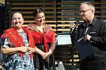Ve Vsetíně slavnostně otevřeli ve čtvrtek 25. června 2020 nové náměstí Jarmily Šulákové. Dcera Zuzana Pavlůsková, zpěvačka Klára Blažková a moderátor, hudebník a spolupracovník Jarmily Šulákové Jan Rokyta.