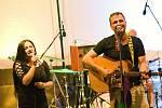 Čtvrtý ročník festivalu world music s názvem Andělská Bystřička se konal v sobotu 4. července 2020 v areálu letního kina v Bystřičce na Vsetínsku. Vystouili také valašskomeziříčští Docuku.