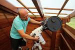 Vlastimil Musil z Ratiboře se zabývá astrofotografií. Získal Cenu Jindřicha Zemana za astrofotografii roku 2014. Malou observatoř s vybavením má na balkoně svého domu.