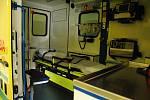 Interiér nové sanitky, kterou při výjezdech nově využívají zdravotničtí záchranáři na Rožnovsku; 3. února 2020