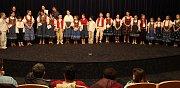 Oblastní kolo celostátního kola pěvecké soutěže Zpěváček 2017 se uskutečnilo v sobotu dopoledne v sále vsetínského kina Vatra pod názvem Vsetínský slavíček. Tříčlenná porota hodnotila celkem dvaatřicet přihlášených mladých zpěváků. Děti soutěžily ve třech
