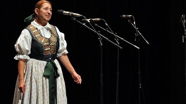 V Janíkově stodole ve skanzenu v Rožnově pod Radhoštěm se ve středu 28. září 2011 odpoledne konal hudbení pořad nazvaný Písně vyprávějí příběhy.