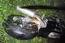Tragická havárie motocyklu u Val. Meziříčí, mladý řidič podlehl svým těžkým zraněním na místě.