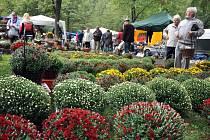 Zahradnické trhy v Rožnově pod Radhoštěm. Ilustrační foto.