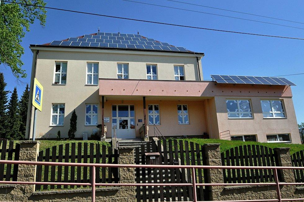 Základní a mateřská škola v Kladerubech; květen 2021