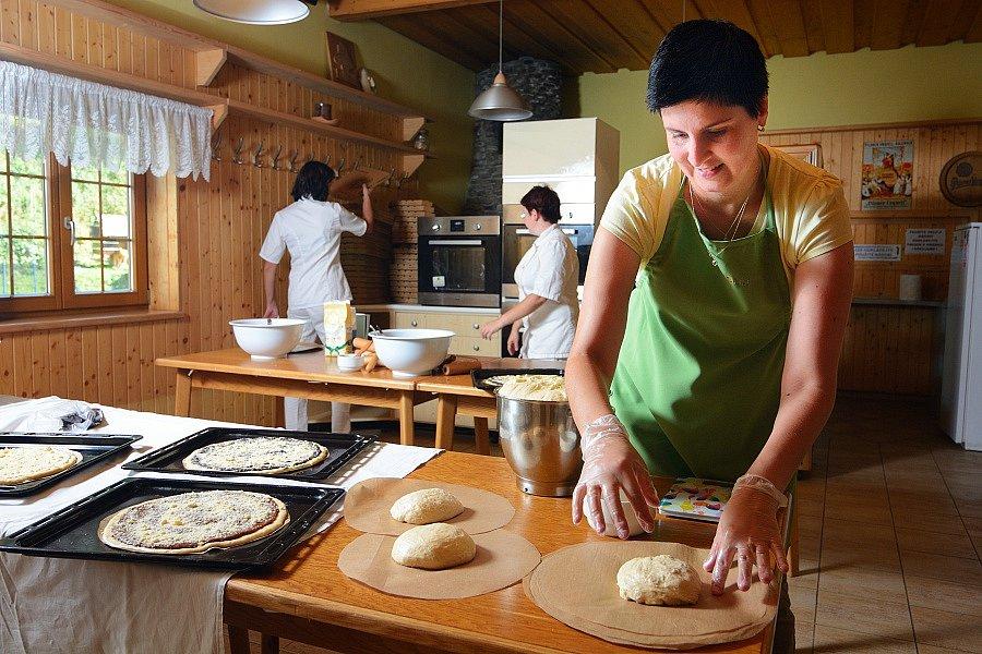 Ve Velkých Karlovicích startují od soboty pravidelné kurzy pečení frgálů