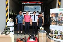 Výjezdová jednotka požární ochrany Sboru dobrovolných hasičů Valašské Klobouky získala nové vybavení a ochranné prostředky.