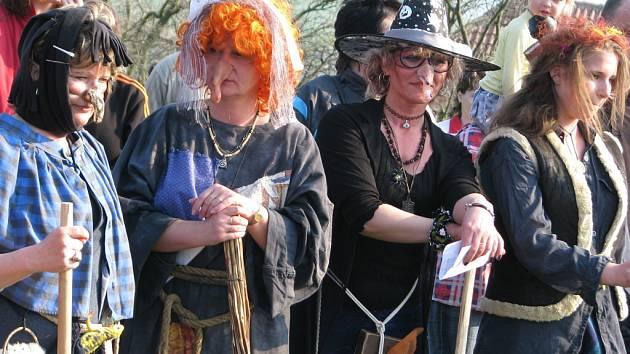 Sedmý ročník tradičního sletu čarodějek dobrodějek na Pulčíně.
