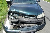 Dopravní nehoda mezi osobním autem zn. Kia a pracovníkem silnic obsluhujícím frézu ve Valašské Polance.