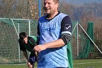 Fotbalový 38letý cestovatel Petr Jasoněk prošel devíti kluby. Nyní hraje v Krhové.