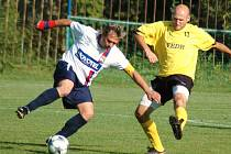 Fotbalisté Kateřinic (ve žlutém) doma prohráli s Viganticemi 0:2.