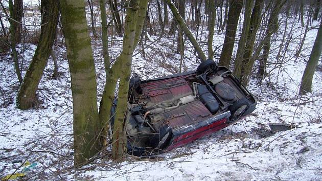 U masokombinátu došlo k dopravní nehodě dvou osobních aut.