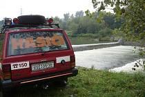 Hasiči zachraňovali vodáka na jednom ze splavů u Juřinky