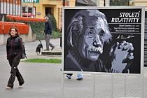 Einsteinovi a jeho teorii relativity potrvá ve Vsetíně do 10. listopadu.
