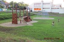 Centrum má tvořit také pódium, parket, sociální zařízení. Jak rychle jej obec dokončí, záleží na financích.
