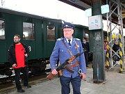 I přes nepřízeň počasí si obyvatelé Rožnova pod Radhoštěm užili v sobotu 10. června 2017 celodenní program s názvem Rožnov lázeňský. Jeho cílem bylo oživit lázeňskou historii města, tedy dobu v letech 1796 až 1939. Dobovou atmosféru doplnil parní vlak, kt