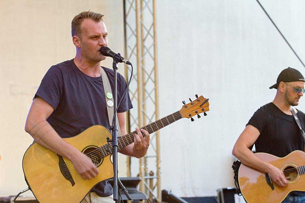 Čtvrtý ročník festivalu world music s názvem Andělská Bystřička se konal v sobotu 4. července 2020 v areálu letního kina v Bystřičce na Vsetínsku.  Vystoupila také formace Ptakustik.