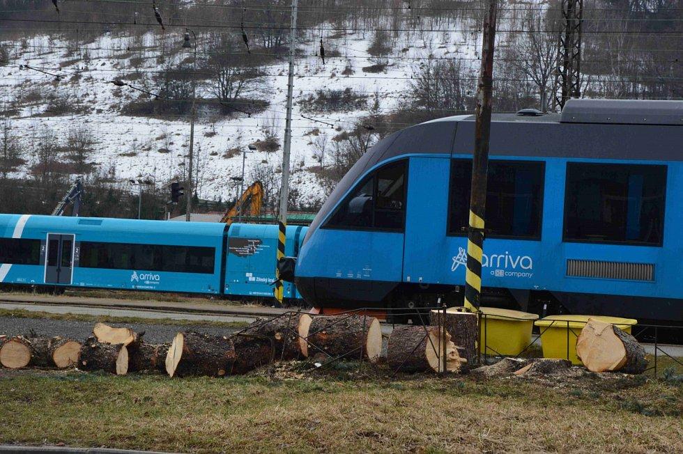 Odstraňování dřevin z železničního koridoru