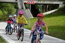 Nový úsek Cyklostezky Bečva pod hrachoveckým mostem ve Valašském Meziříčí je od středy 26. července 2017 v provozu. Sto sedmdesát metrů dlouhý úsek vyšel na 2,7 milionu korun.
